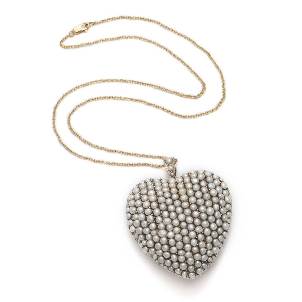 Victorian Heart of Gold set with Natural Pearls